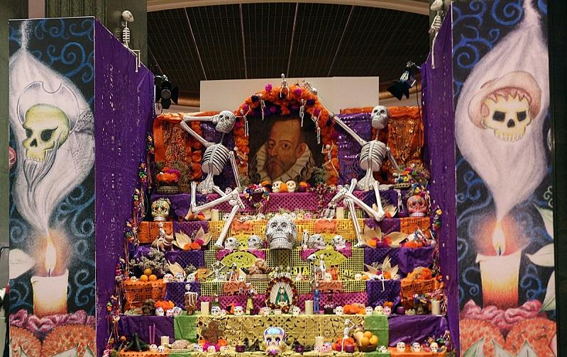Noche de muertos mexicana en el campo de la Cebada