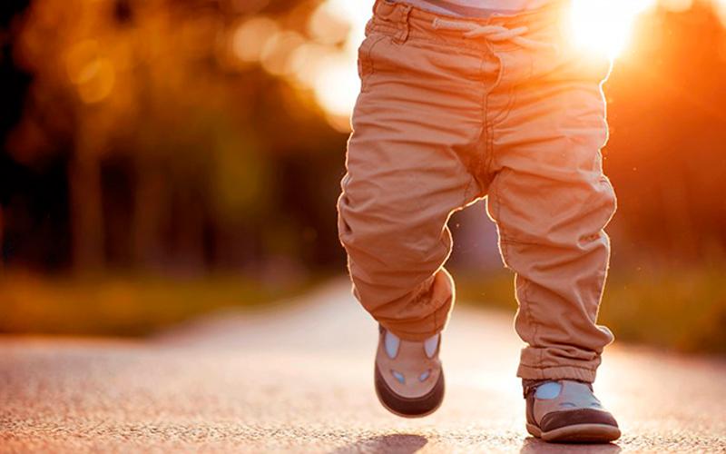 actividad-fisica-calzado-bebe
