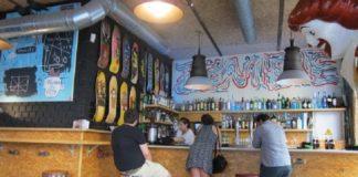 Zombie Bar en la calle Pez