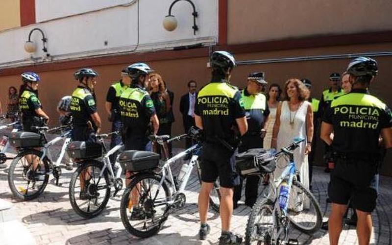 policia municipal en bici