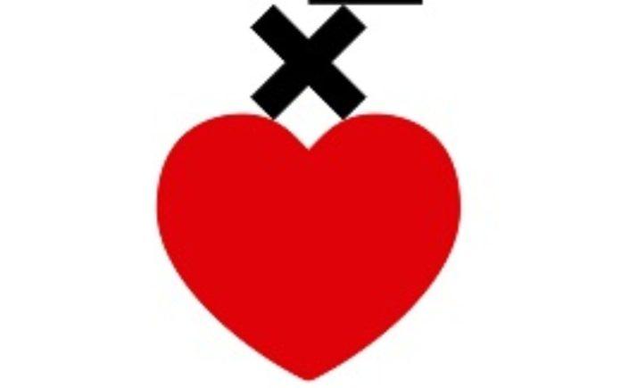tras el corazon rojo