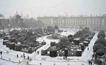 palacio real madrid nieve